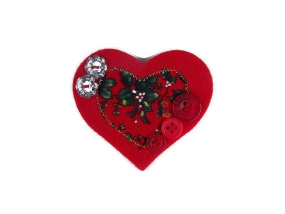 christmas-brooch